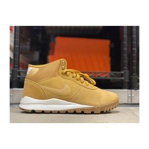 NEW Nike Hoodland Suede Mens Shoe Brown Multi Sz